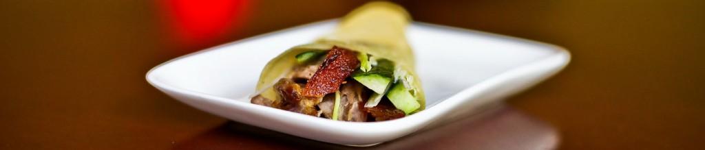 Peking Ente mit Gemüse im Pfannkuchen