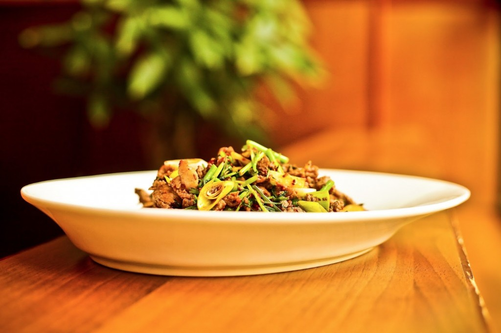 Lammfleisch gebraten im Restaurant Peking Ente Berlin