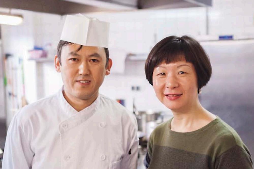 Dumpling-Meister Rili Xia und Team-Chefin Mengling Tang
